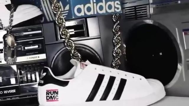 Sneakers Adidas Superstar Run DMC in the movie clip
