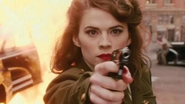 The varnish of Peggy Carter (Hayley Atwell) in Captain America and Agent Carter