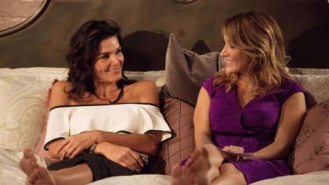 White Top Naked Shoulders Of Jane Rizzoli Angie Harmon In Rizzoli