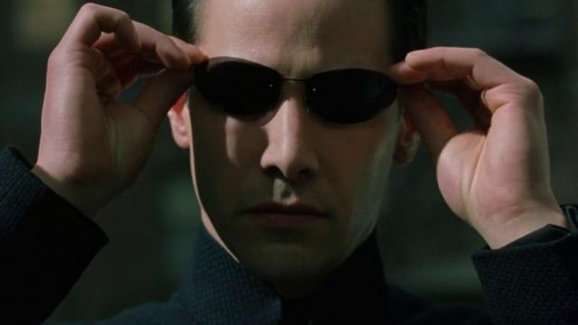 Sunglasses Neo (Keanu Reeves) in The Matrix Reloaded