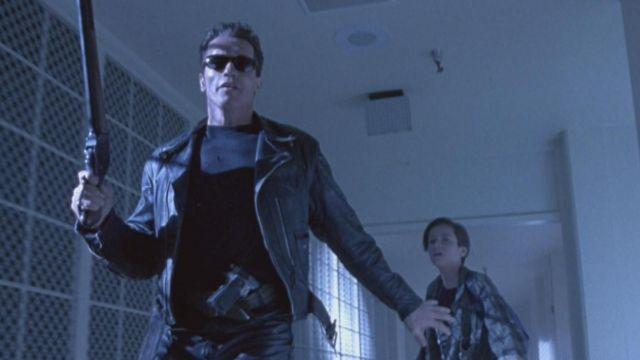 Les lunettes de soleil du T-800 (Arnold Schwarzenegger) dans Terminator 2 : Le jugement dernier