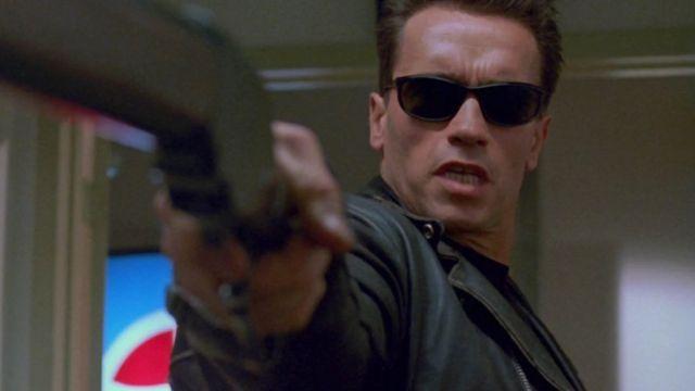 Les lunettes de soleil Persol du T-800 (Arnold Schwarzenegger) dans Terminator 2 : Le Jugement dernier