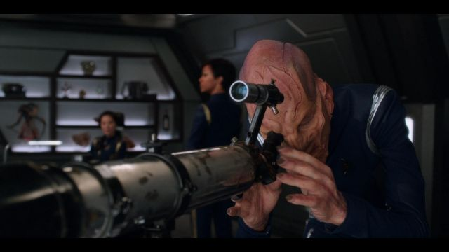 The telescope of Captain Han Bo (Michelle Yeoh) in Star Trek Discovery