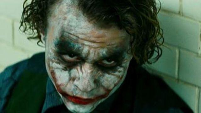The mask of the Joker (Heath Ledger) in Batman : The Dark Knight, The dark knight