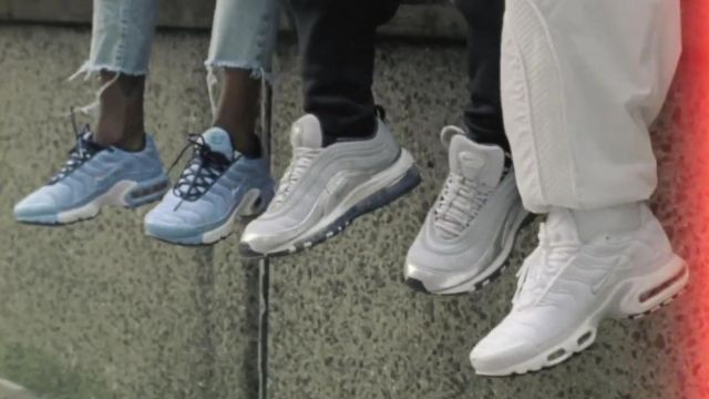 The sneakers Nike TN more in the clip