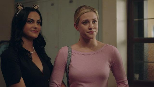 The pink top, long-sleeved, Betty Cooper (Lili Reinhart) in Riverdale S02E05