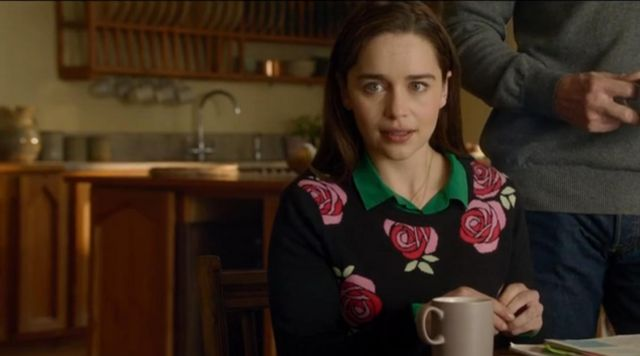 The sweater with the roses of Lou Clark (Emilia Clarke) in Before You