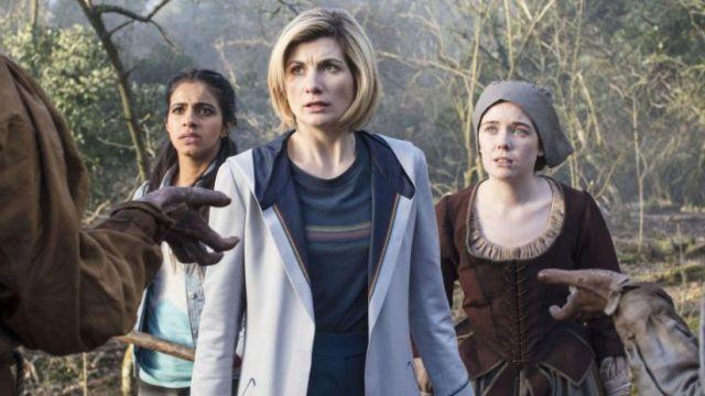 Le top arc en ciel du 13ème docteur (Jodie Whittaker ) dans Doctor Who (S11E08)