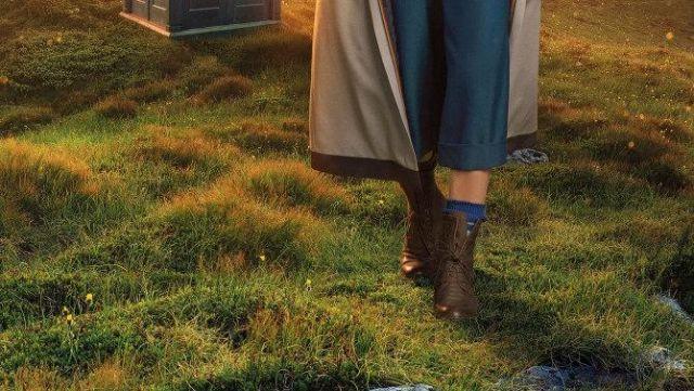 Les chaussettes bleues du 13ème docteur (Jodie Whittaker) dans Doctor Who saison 11