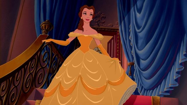 Disney Princess Beauty and the Beast village Robe Belle