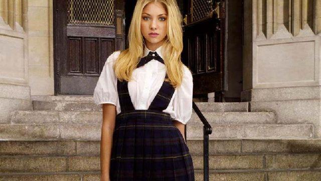 La jupe à bretelles tartan de Jenny Humphrey (Taylor Momsen) dans Gossip Girl