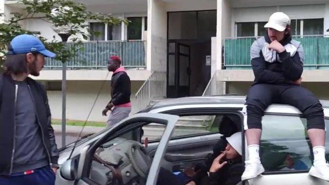 La Le Bleue Clip Béné PnlSpotern Dans Lacoste Casquette De 5jAR4L