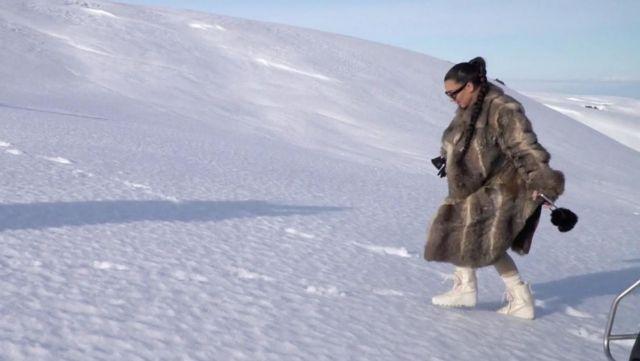 Les boots Yeezy 950 de Kim Kardashian dans L'incroyable famille Kardashian saison 12 épisode 10