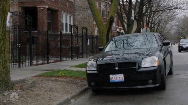 Photo of Elias Koteas  - car