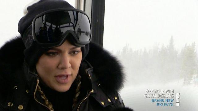 Les lunettes de ski Anon de Khloe Kardashian dans L'incroyable famille Kardashian S12E08
