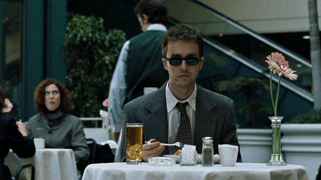 The sunglasses of the narrator (Edward Norton) in Fight Club