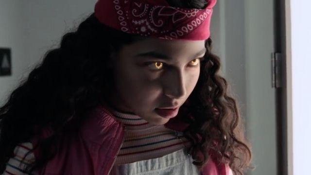 Molly Hernandez's (Allegra Acosta) UO Zola striped mock-neck top as seen in Marvel's Runaways S01E10