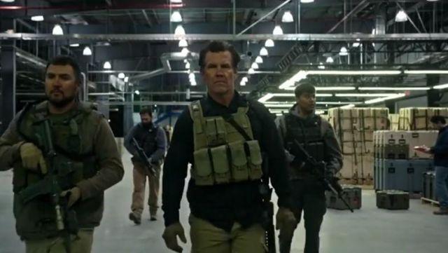 Gloves brown Matt Burn (Josh Brolin) in Sicario : the Day of the Soldado