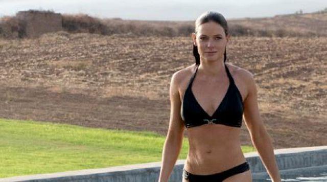Le maillot de bain noir de Ilsa Faust (Rebecca Ferguson) dans Mission Impossible 5