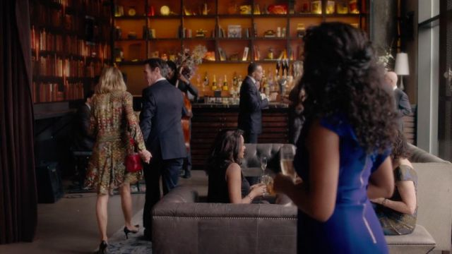 La robe de Jean Holloway (Naomi Watts) dans Gypsy S01E08
