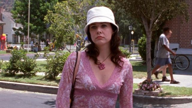 La robe de Lorelei Gilmore (Lauren Graham) dans Gilmore Girls S05E05