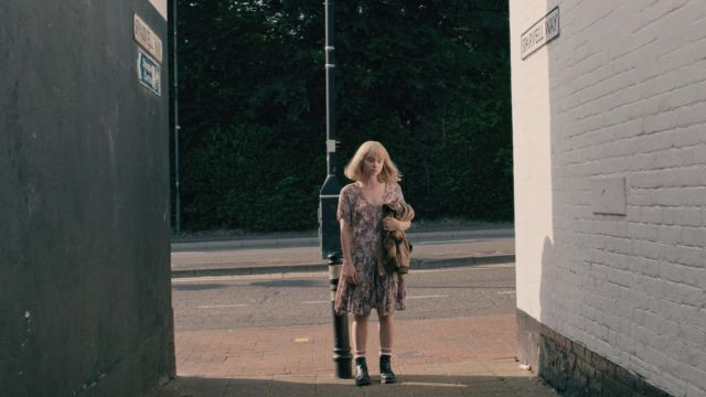 The boots of Alyssa (Jessica Barden) in The End of the F***ing World S01E05