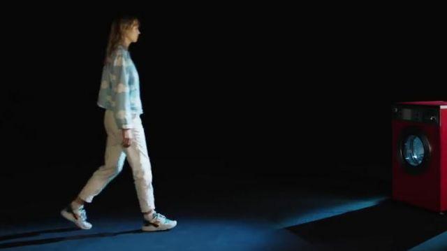 Sneakers Worn By Angele In La Loi De Murphy Music Video Spotern