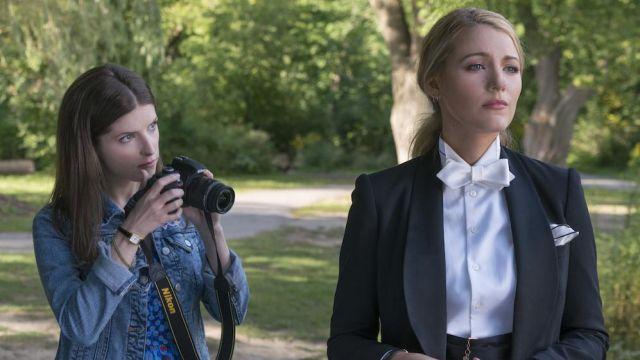 Boucles d'oreilles portées par Emily Nelson (Blake Lively) comme on le voit dans Une Simple Faveur