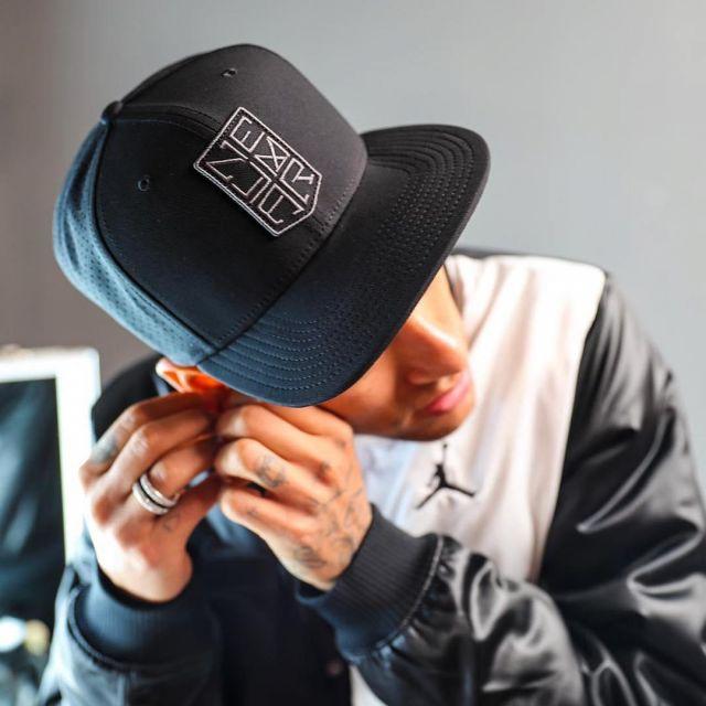 The Nike cap Neymar black worn by Neymar on his account Instagram ...