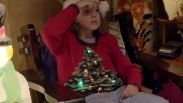 Youtube Christmas.The Pull Of Christmas Worn By Millie Bobby Brown In Youtube