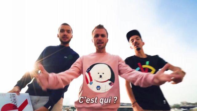 """Le pull """"chien astronaute"""" de Squeezie dans la vidéo YouTube Freestyle du dico feat. Bigflo & Oli"""