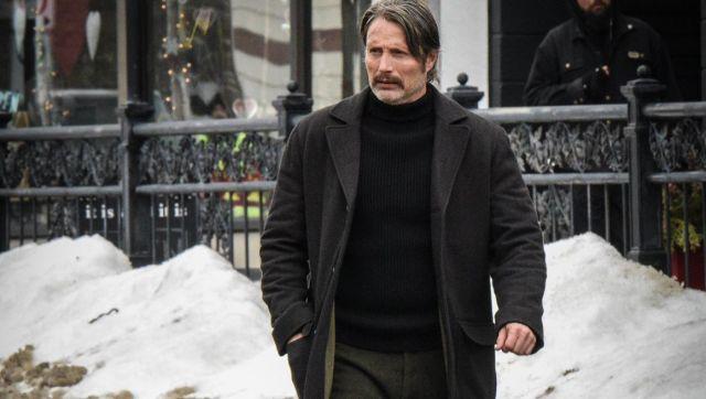 Manteau porté par Duncan Vizla (Mads Mikkelsen) comme on le voit en Polaire