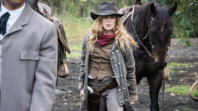 Cowboy Coat worn by Sara Lance (Caity Lotz) as seen in DC's Legends of Tomorrow S02E06