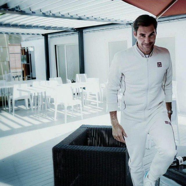 The Jacket Bomber White Zipped Logo Uniqlo Red Worn By Roger Federer For Roland Garros In May 2019 Spotern
