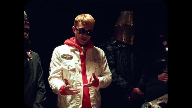 La veste blanche portée par Vald dans son clip Elévation avec Vladimir Cauchemar