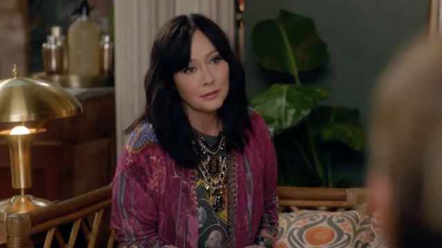 Colorful kimono worn by Shannen Doherty in BH90210 (S01E04)