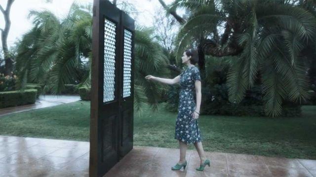 Dress worn by Gabrielle (Stephanie Corneliussen) in Legion (S03E03)