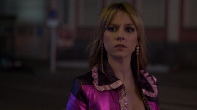 Pink Jacket worn by Carla (Ester Expósito) as seen in Elite (S02E01)