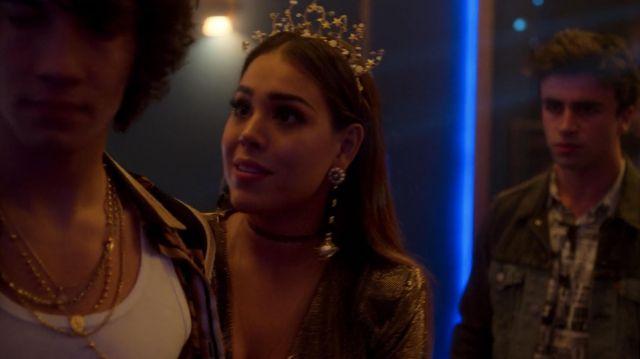 La couronne portée par Lu (Danna Paola) dans Élite (S02E01)