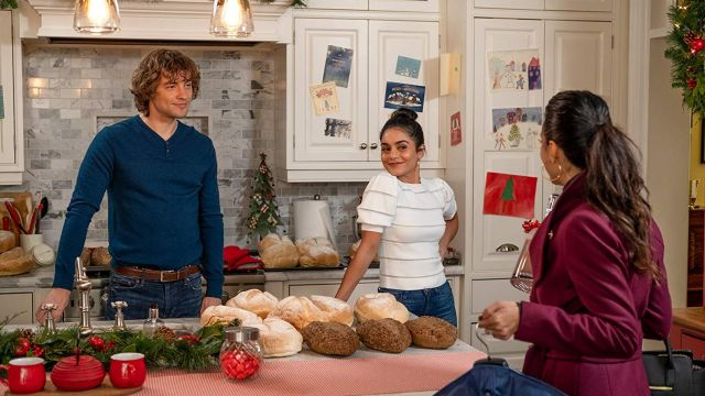 Puff sleeves white striped top worn by Vanessa Hudgens as seen in The Knight Before Christmas