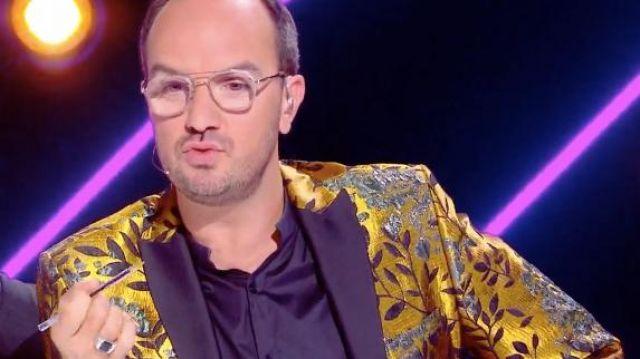 Le blazer doré porté par Jarry dans l'émission Mask Singer du 22 novembre 2019