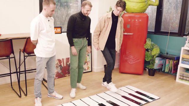 La paire de sneakers Nike portée par Squeezie dans la vidéo YouTube QUI POSSÈDE LE MEILLEUR JOUET ? #2