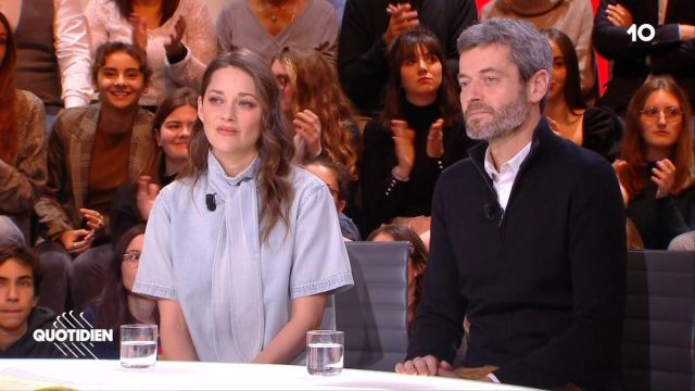 The Blouse Effect John Of Marion Cotillard In The Show Daily Of 5