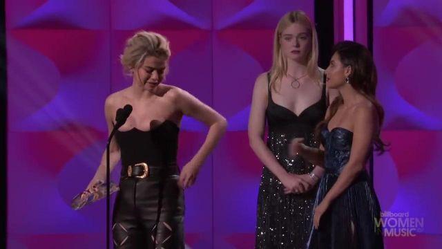 La ceinture de Selena Gomez à la cérémonie des Billboard's Women in Music 2017
