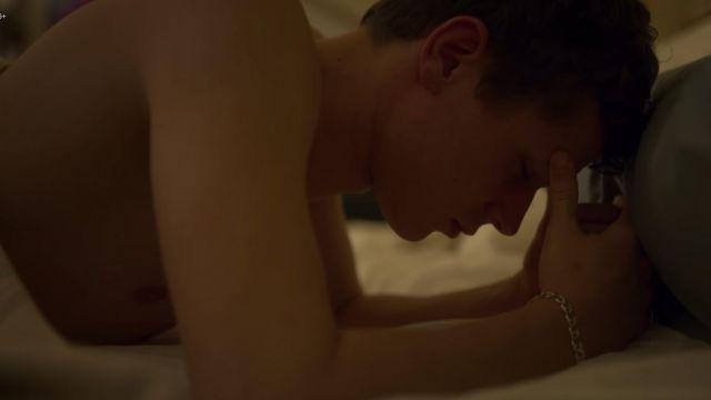 Bracelet worn by Ander (Arón Piper) in Elite (S02E04)