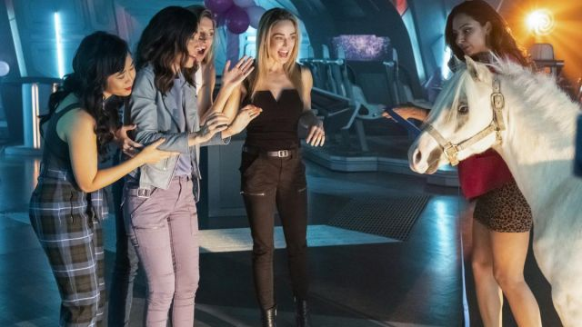 Black Utility Pants worn by Sara Lance (Caity Lotz) in DC's Legends of Tomorrow (S05E07)