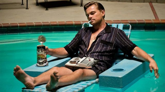 """The chair floating pool of Rick Dalton (Leonardo DiCaprio) in """" Once Upon a Time... in Hollywood"""