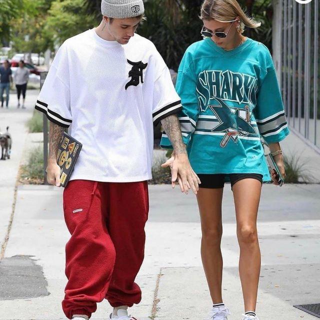 Le t-shirt blanc oversize porté par Justin Bieber sur le compte Instagram @starstylespotted