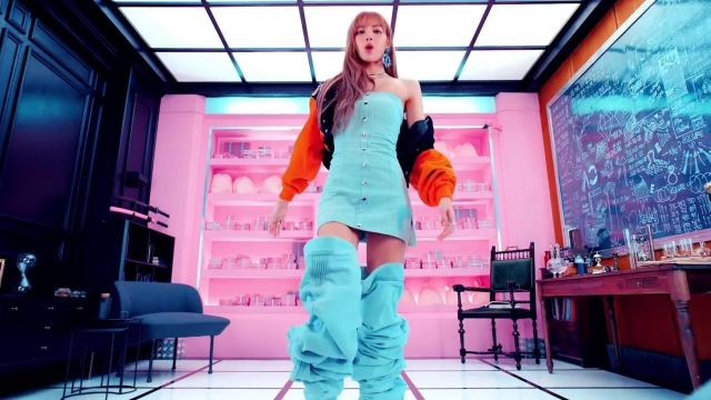 The Strapless Short Dress Buttoned Light Blue Worn By Lisa In The Clip 뚜두뚜두 Ddu Du Ddu Du Of Blackpink Spotern