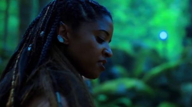 The earrings of Quellcrist Falconer (Renee Elise Goldsberry) in the series Altered Carbon (Season 1 Episode 7)